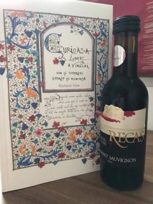 Curioasa lume a vinului